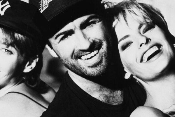 George Michael i supermodelki fot. Sony Music/NajlepszePiosenki.pl
