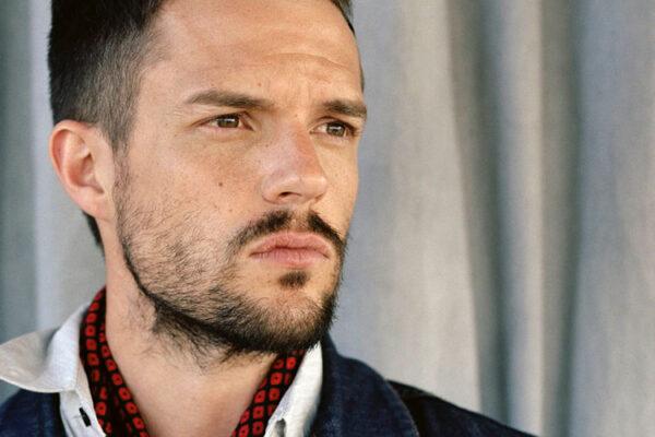 Brandon Flowers fot. Universal Music Polska/NajlepszePiosenki.pl