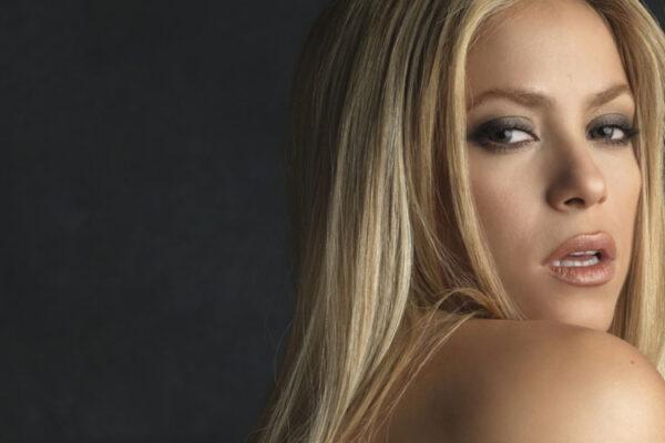 Shakira fot. Sonyy Music/NajlespzePiosenki.pl