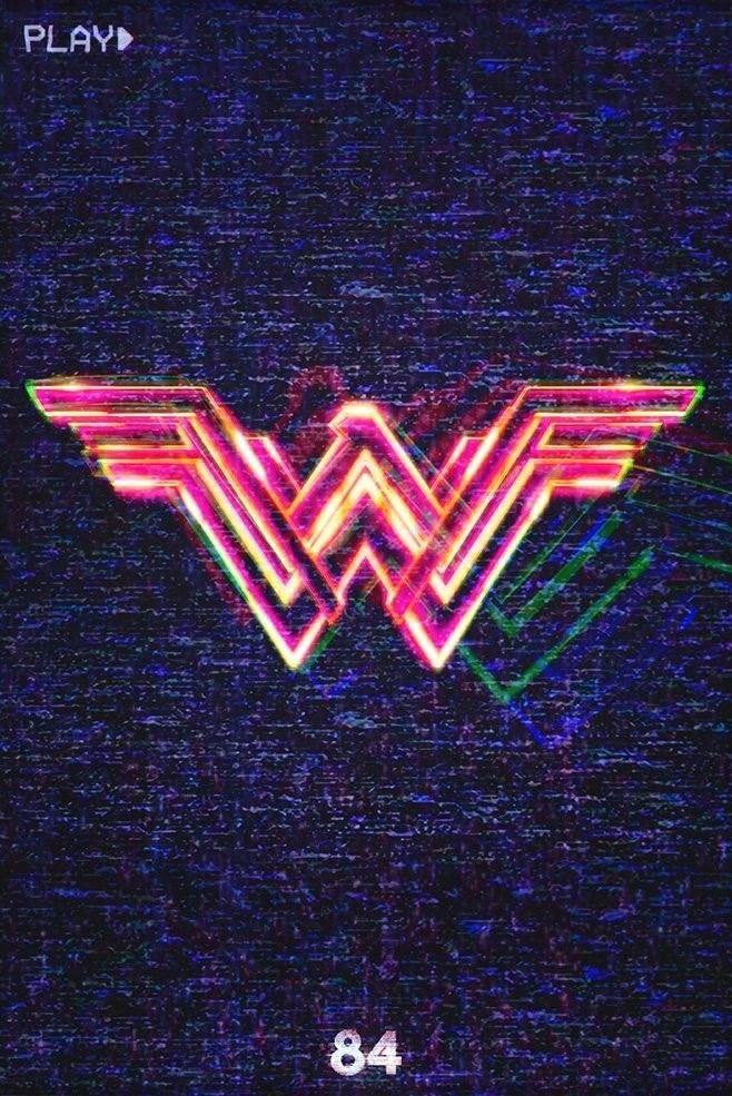 """Kapitan Marvel zabrała nas do lat 90., tymczasem z Wonder Woman wrócimy do 1984 roku. Będą neony, zegarki Cassio i """"Blue Monday"""" New Order."""